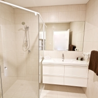 bunbury-apartment-motel-bathroom-01