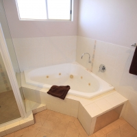 superioraptmtbathroom