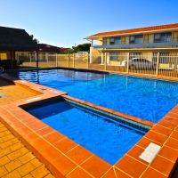 bunbury-motel-pool